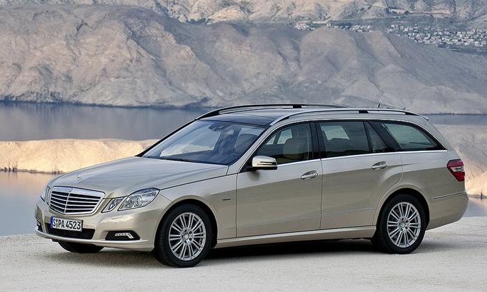 """Naujasis """"Mercedes-Benz"""" E klasės universalas – pirmosios nuotraukos"""