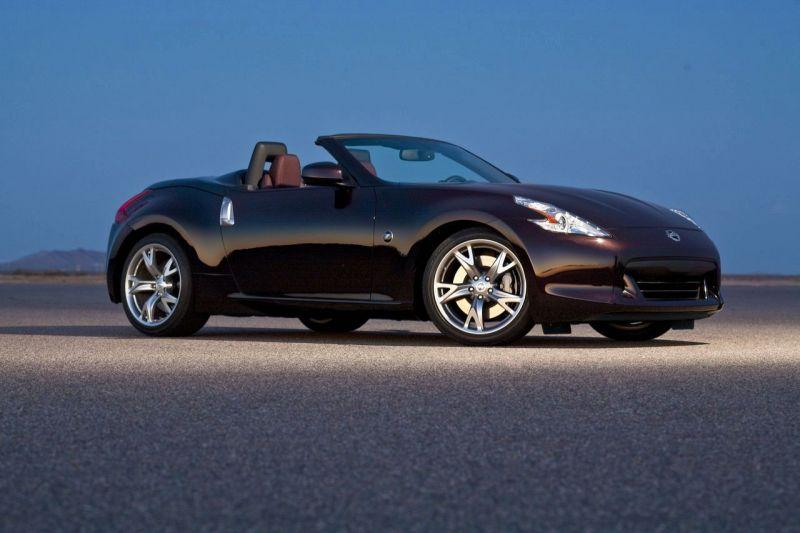 """Naujasis """"Nissan 370Z Roadster"""" – mėgaukitės atviru dangumi"""