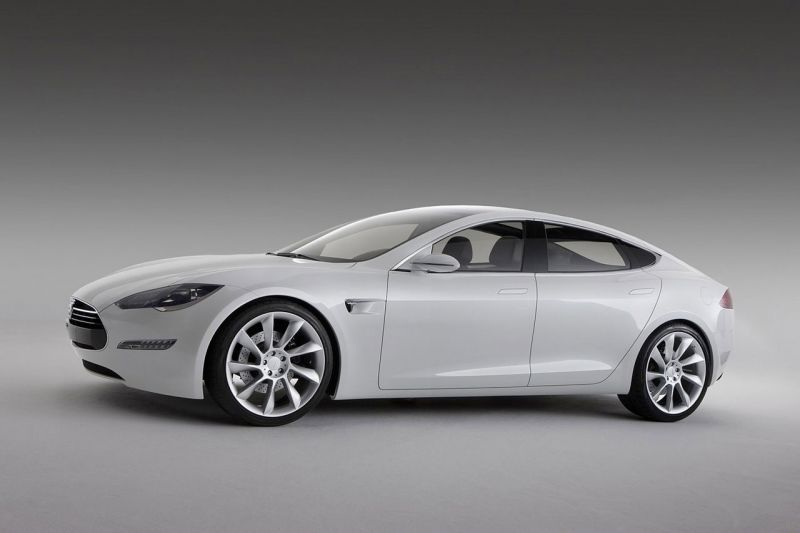 """""""Tesla Model S"""" – įspūdingas elektrinis sedanas"""