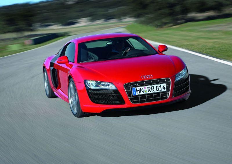 """""""Audi R8 5.2 FSI Quattro"""" – galingiausias šeimoje"""