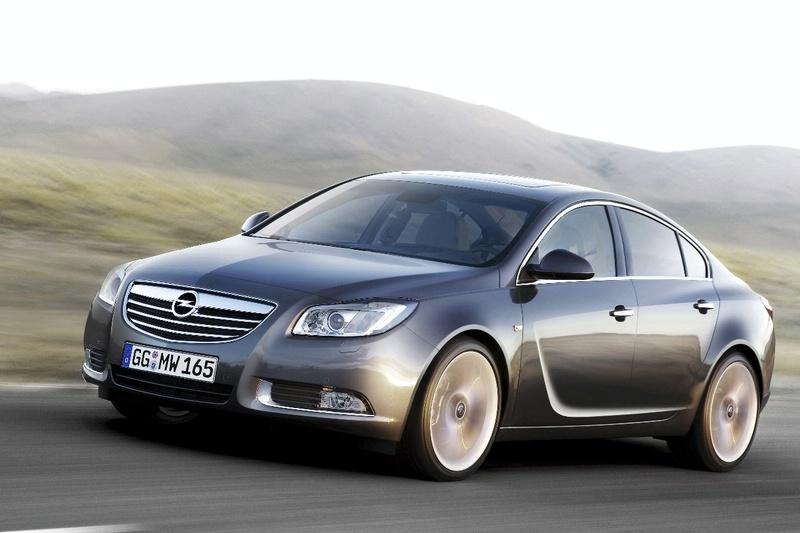 """""""Opel Insignia"""" neria į nuožmią konkurenciją"""