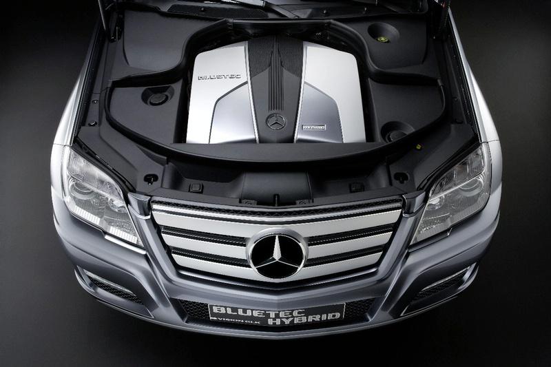 """Mercedes"" Ženevoje pristatys GLK hibridą"