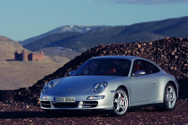 """Sustabdyta """"Porsche 911"""" gamyba"""