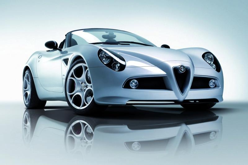 """""""Alfa Romeo 8C Spider"""" – tik išrinktiesiems"""