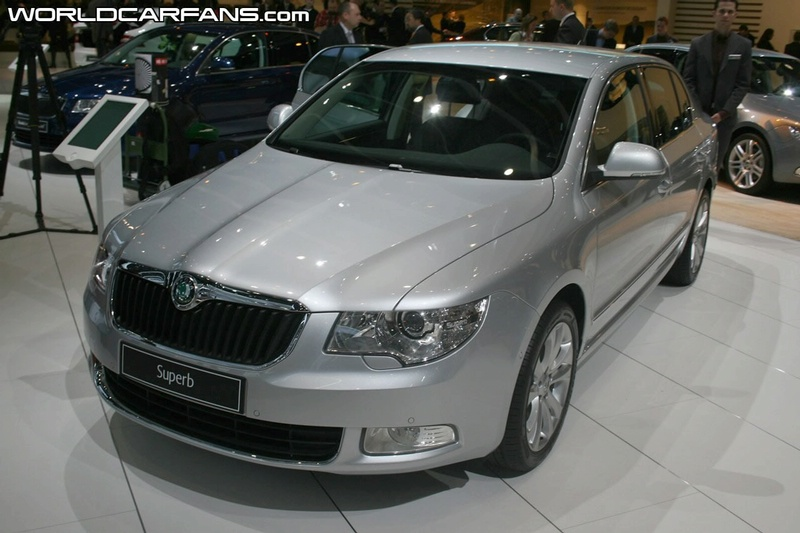 """""""Škoda"""" ruošiasi pristatyti naujos kartos """"Superb"""""""