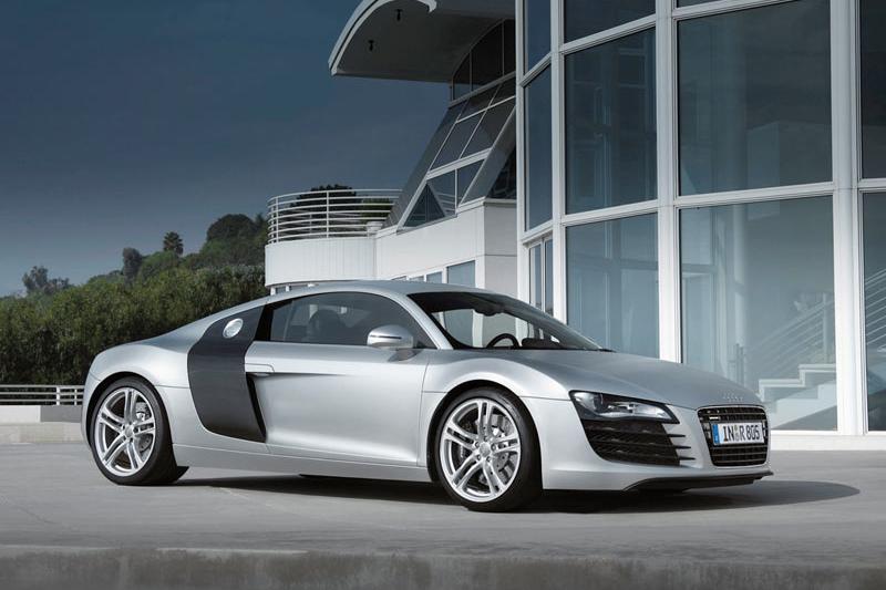 """""""Audi R8"""" – ir su V12 dyzeliniu varikliu"""