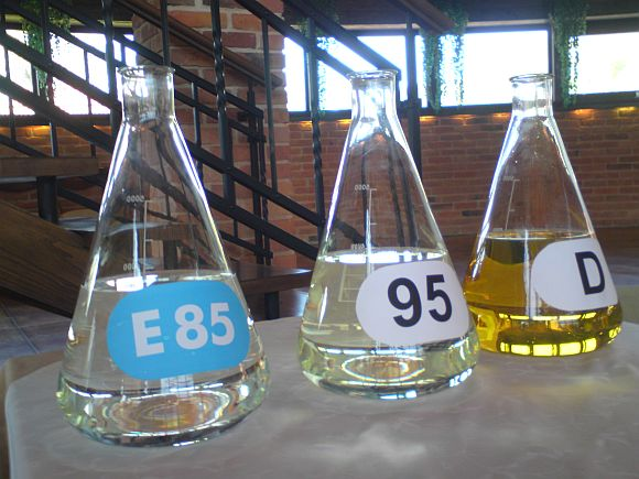 Biodegalai ir įprasti degalai