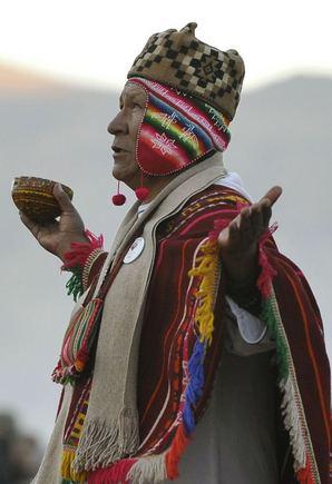 AFP/Scanpix nuotr./Aimarų gentis Bolivijoje avenčia Naujuosius metus.