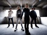 "Grupės archyvo nuotr./Grupės ""The Rasmus"" nariai iš kairės: Eero Aleksi Heinonen, Aki Markus Hakala, Lauri Johannes Ylonen, Pauli Antero Rantasalmi."