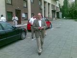 """Juliaus Kalinsko/""""15 minučių"""" nuotr./Iš mirusio parlamentaro buto eina Česlovas Juršėnas"""