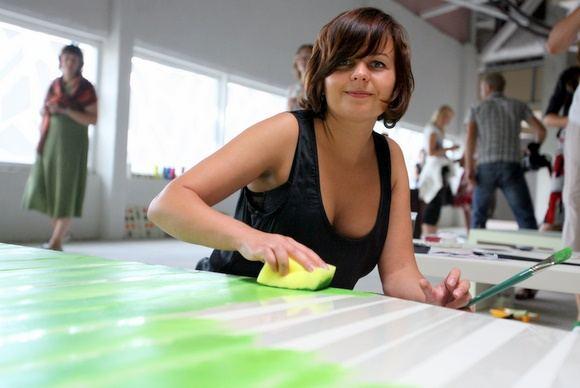 Juliaus Kalinsko/15 minučių nuotr./Menininkai savo kūryba ant suoliukų ragins žmones prisėdus susimąstyti apie ekologiją