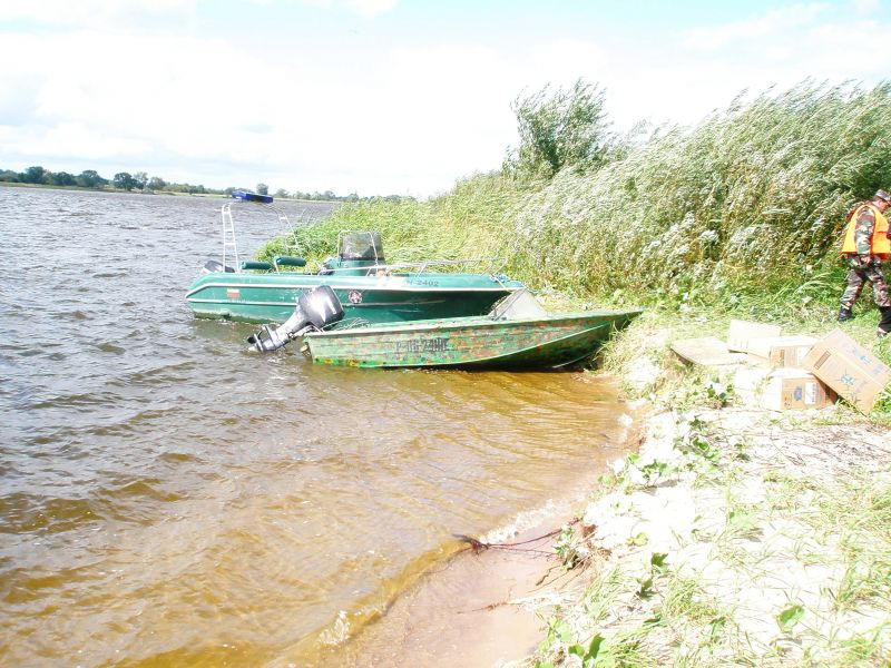 VSAT pareigūnų sulaikyta kontrabandininkų valtis
