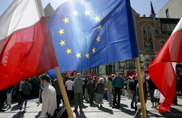 Lenkijos ir Europos Sąjungos vėliavos