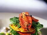 Fotolia nuotr. / Pomidorų užkandėlė su blyneliais