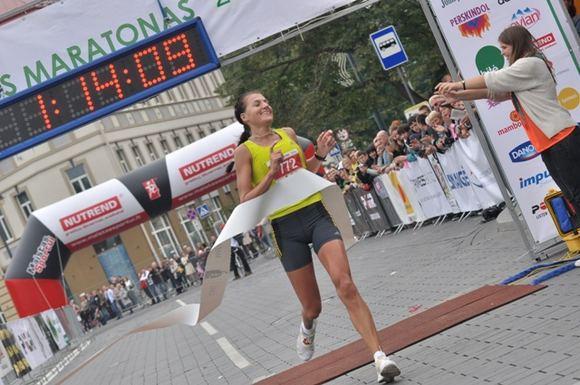 Četkausko nuotr./Moterų grupėje pusę maratono greičiausiai nubėgo Diana Lobačevskė