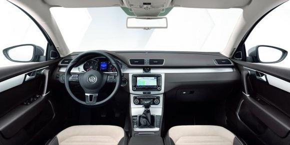 Gamintojo nuotr./Naujas septintos kartos VW Passat