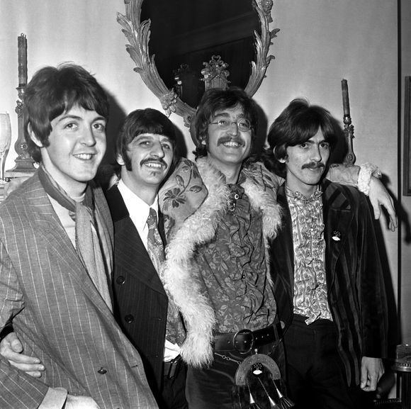 """""""Scanpix"""" nuotr./Johnas Lennonas (trečias iš kairės) ir  """"The Beatles"""""""