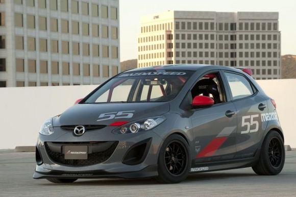 Gamintojo nuotr./Mazda2 Evil Track