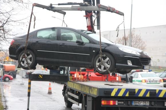 Įsigaliojus ATPK pataisoms, automobilis galės būti nutempiamas tik tuo atveju, jei jis trukdys automobilių ar pėsčiųjų eismui.
