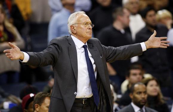 Treneris Larry Brownas