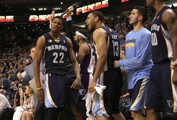"""""""Grizzlies"""" komandoje – ne pačios geriausios nuotaikos."""