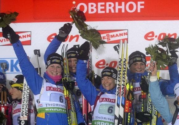Moterų estafetės varžybų nugalėtoja – Švedijos biatlonininkių ketveriukė.