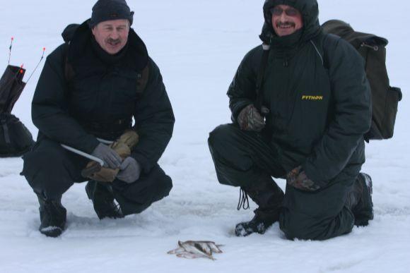 Valentinas ir Vytautas sužvejojo po 20-30 žuvelių.