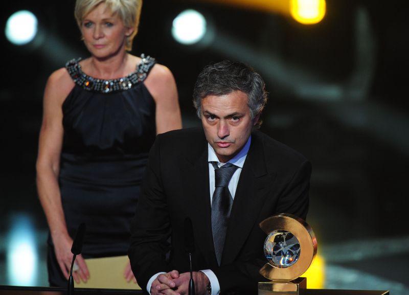 J.Mourinho atiteko geriausio šių metų trenerio titulas