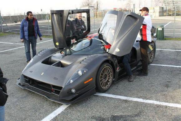 Gamintojo nuotr./Vienintelis pasaulyje Ferrari P4/5 Competizione