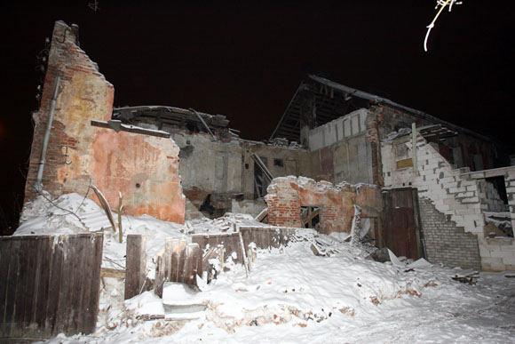 Eriko Ovčarenko/15min.lt nuotr./Griūvantis namas Veiverių g. 62