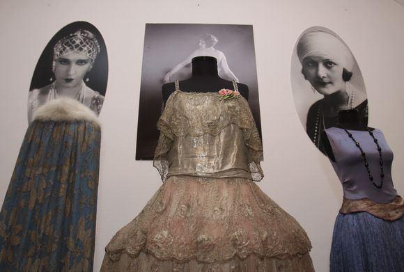 Irmanto Gelūno/15min.lt nuotr./Taikomosios dailės muziejuje lankytojų laukia istorinės mados paroda Art Deco Stilius (1918-1939)