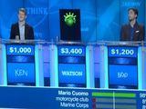 """Kadras iš """"YouTube""""/IBM superkompiuteris """"Watson"""" konkuruoja su kitais dalyviais populiarioje JAV viktorinoje """"Jeopardy!""""."""