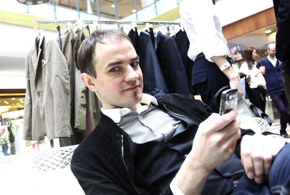 Irmanto Gelūno/15min.lt nuotr./Per Mados inventorizaciją dizaineriai pirkėjams ia arti pristatė savo darbus.
