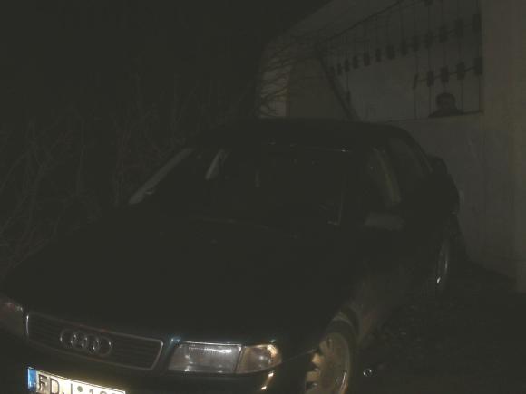 Vairuotojas nesuvaldė automobilio ir rėžėsi į keleivių paviljoną Šalčininkėlių autobusų stotelėje.
