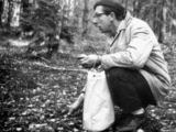 """V.Kubiliaus laisvalaikis. Nuotrauka iš knygos """"Nepaklusęs laikui""""."""