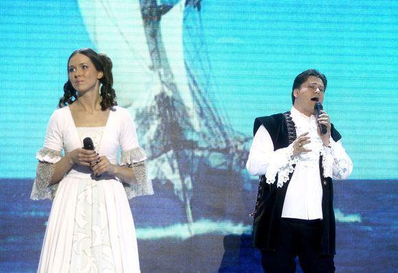 Irmanto Gelūno/15min.lt nuotr./Dainų aou Žvaigždžių duetai dalyviai atliko dainas ia žinomų filmų.