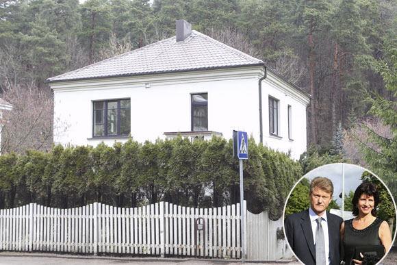 Scanpix  ir V. Ovadnevo nuotr./Rolandas ir Laima Paksai ir jų namas