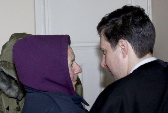 Irmanto Gelūno/15min.lt nuotr./Janas Andžejus Borkovskis (kairėje) su advokatu.