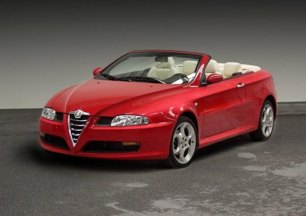 """Alfa Romeo GT Cabriolet"" – negimęs ""Bertone"" kūrinys"