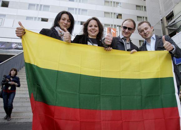 Irmanto Gelūno/15min.lt nuotr./Įspūdingai atrodantys gerbėjai suplaukė į Eurovizijos finalą.
