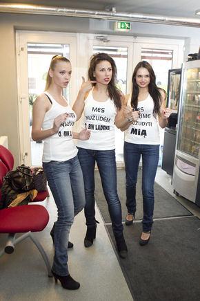 "V. Ovadnevo nuotr./Grupė ""Pinup Girls"""