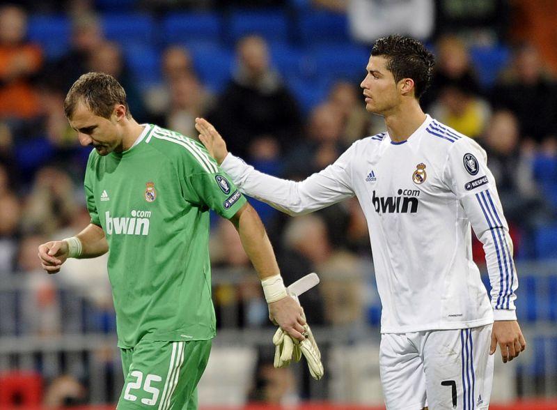 Jerzy Dudekas ir Cristiano Ronaldo