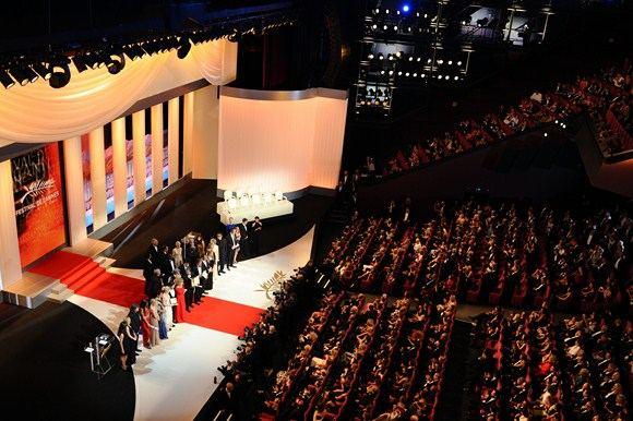 AFP/Scanpix nuotr./Kanų kino festivalio uždarymo ceremonijos akimirka
