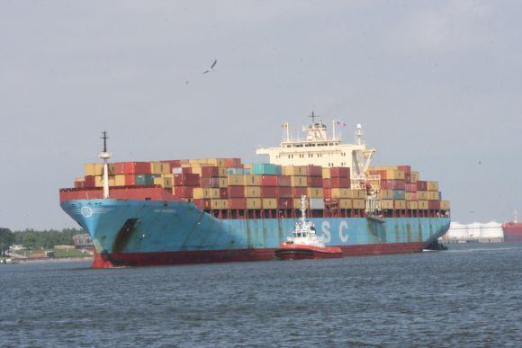Ginos Kubiliūtės/15min.lt nuotr./Ia laivo Klaipėdos uoste bus iakrauta daugiau nei 1 tūkst. konteinerių.