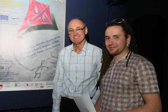 """Festivalio rengėjai S.Klibavičius (k.) ir V.Juškėnas priminė, kad """"Skrajojantis festivalis"""" Kaune vyks gegužės 25-28 dienomis."""