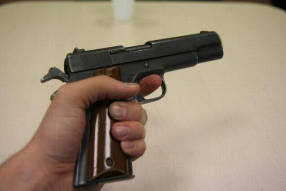 Organizuojamas egzaminas apsaugininkams ir norintiems įsigyti ginklus savigynai.