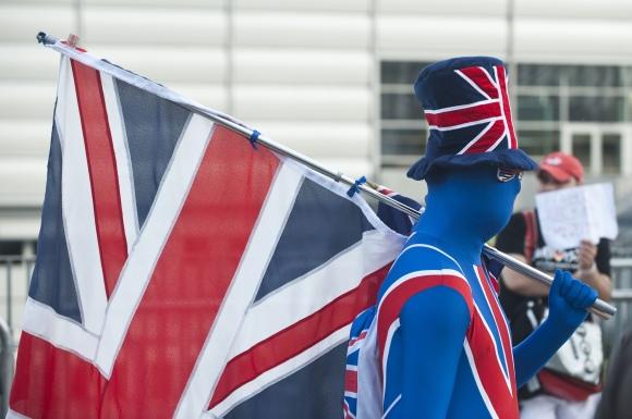 Britų tautos identitetui iškilo pavojus.