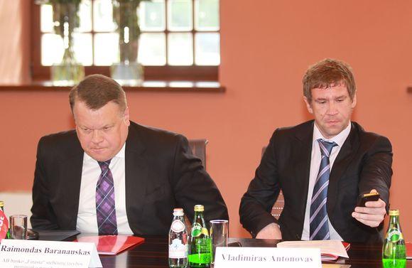 Raimondas Baranauskas, Vladimiras Antonovas