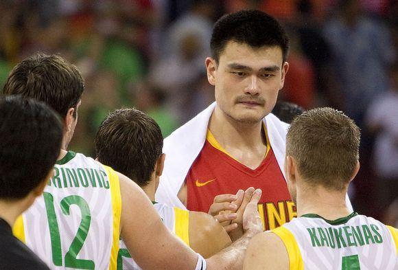 AFP/Scanpix nuotr./Yao Mingas yra buvęs susidūręs ir su Lietuvos rinktine