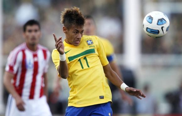 Kylanti Brazilijos futbolo žvaigžde Neymaras